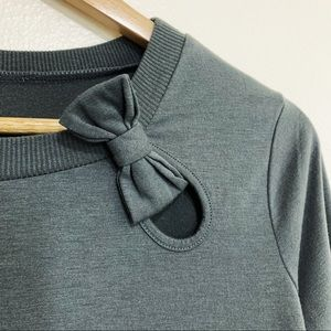 Tops - Long Sleeve Gray Top w/ Keyhole & Bow Detail